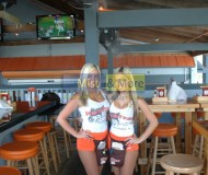 hooters (18)